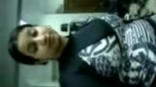 طبيب عربي سكس بنات من العرب On Fuckswille Net