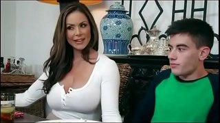 سكس امهات محرومة تتناك من ابنها فى المطبخ نيك نار Hd سكس عربي فيديو